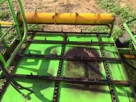 Kerry Sidewinder Bale Feeder - picture0' - Click to enlarge