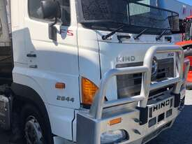 Hino 700 Series FS2844 Tipper - picture2' - Click to enlarge