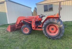 L4400hst 4W Hydrostatic Kubota Tractor In excellent condition