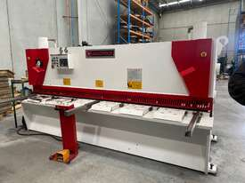 Machtech 6x3200 Variable Rake Hydraulic Guillotine - picture0' - Click to enlarge
