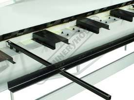 PB-820A Manual Panbrake 2440 x 2mm Mild Steel Bending Capacity Includes Quick Action Head Adjustment - picture6' - Click to enlarge