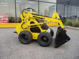 Brand New Mini Digger - picture1' - Click to enlarge