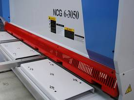 MACHTECH NCG 6-3050 CNC GUILLOTINE. - picture2' - Click to enlarge