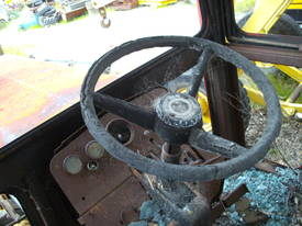 135hp massey , 2 w/d , burnt cabin , starts / runs - picture3' - Click to enlarge