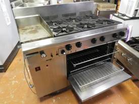 Second Hand Goldstein 6 burner stove with hot plat - picture0' - Click to enlarge