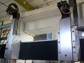 Refurbished 2M, 2.5M and larger Vertical Borers - picture8' - Click to enlarge