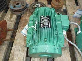 EMERSON 33HP 3 PHASE ELECTRIC MOTOR/ 1450RPM - picture3' - Click to enlarge