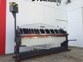 2500mm Guillotine & Panbrake Combo - picture4' - Click to enlarge
