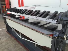 2500mm Guillotine & Panbrake Combo - picture6' - Click to enlarge
