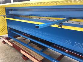 2500mm Guillotine & Panbrake Combo - picture11' - Click to enlarge