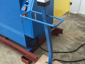 2500mm Guillotine & Panbrake Combo - picture12' - Click to enlarge