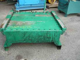 STEEL HYDRAULIC OIL TANK/ 300LITRES - picture1' - Click to enlarge