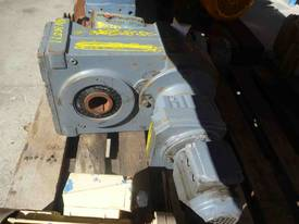 SEW EURODRIVE REDUCTION BOX MOTOR/ 167RPM - picture1' - Click to enlarge