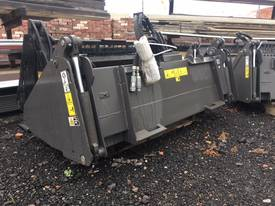 CASE VOLVO TEREX BOBCAT 4 IN 1 BUCKET - picture0' - Click to enlarge
