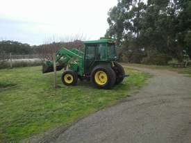 John Deere 5210 4WD tractor with FEL - picture0' - Click to enlarge