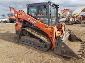 2016 KUBOTA SVL75 TRACK LOADER IN EXCELLENT CONDITION - picture13' - Click to enlarge
