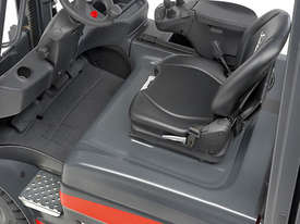 Linde Series 387 E20-E35 Electric Forklifts - picture1' - Click to enlarge