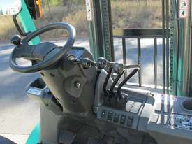 USED Mitsubishi FG45N Forklift Truck - picture5' - Click to enlarge