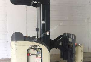 Crown RR5210 Forklift - 3 phase charger included
