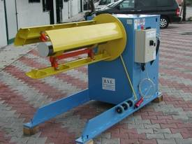 Powered Decoiler 1250 mm x 3 Ton - picture0' - Click to enlarge