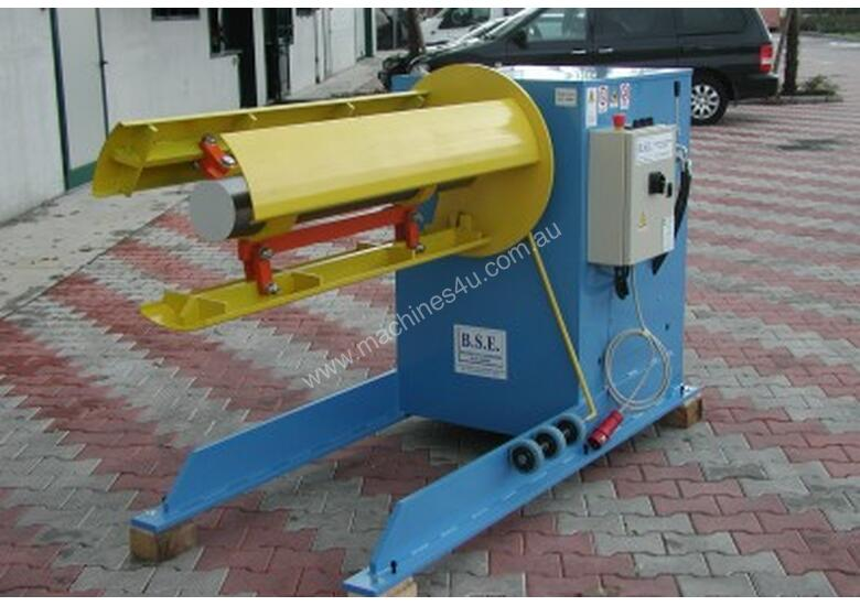 Powered Decoiler 1250 mm x 3 Ton