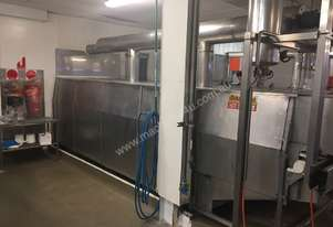 Steam pasteuriser with 1.5 meter plastic belt