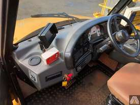 2007 CATERPILLAR 740 ARTICULATED DUMP TRUCK - picture12' - Click to enlarge