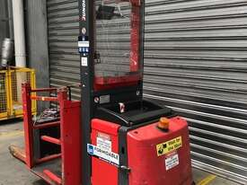 Jungheinrich ECP160LG Stock Picker Forklift - picture2' - Click to enlarge