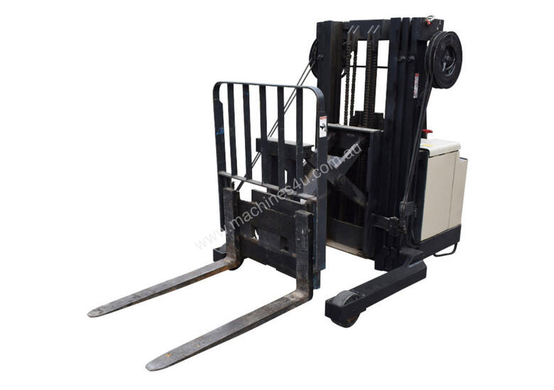Crown 1.5T Walkie Reach Stacker Forklift with Lifting Lugs and 3.8m lift FOR SALE