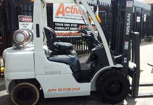 NISSAN Forklift 3 Ton Container Mast 4300mm Lift