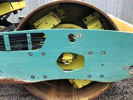 Ammann ASC130 Vibrating Roller Roller/Compacting - picture5' - Click to enlarge