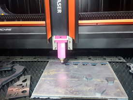 Bystronic DNE D-Fast 4020 3kW Fiber Laser Cutting Machine - Extended Tray 4m, IPG (YLS), Schneider - picture8' - Click to enlarge