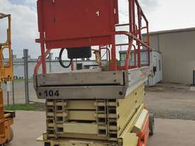 Heavy reduction - 32ft JLG Electric scissor lift - 10 metres - picture1' - Click to enlarge