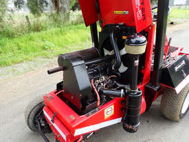 Toro 325D Front Deck Lawn Equipment - picture8' - Click to enlarge
