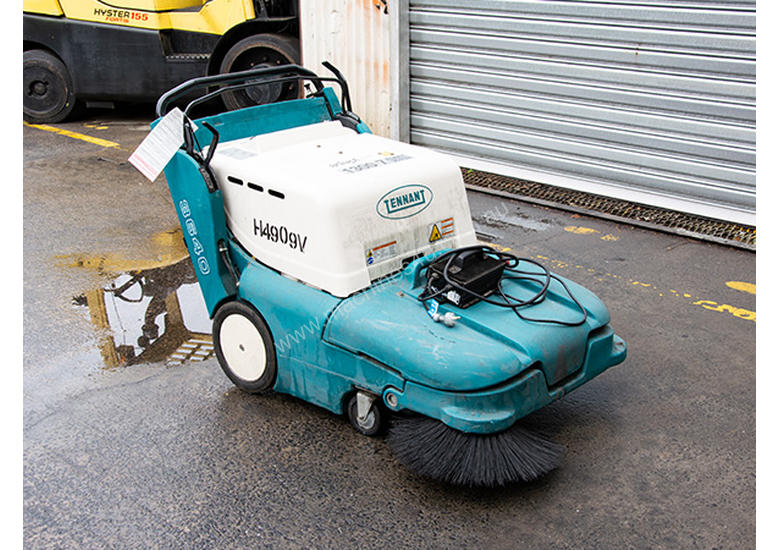 TENNANT 3640 Sweeper