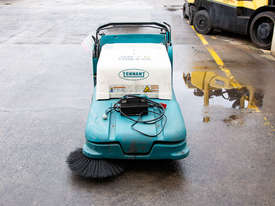 TENNANT 3640 Sweeper - picture1' - Click to enlarge