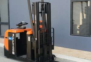 Toyota BT Optio OSE120CB Low Level Order Picker 1200kg capacity Lift to 2700mm