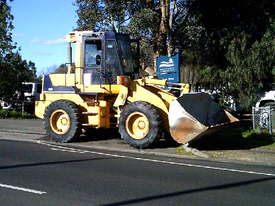 WA-120 series1 loader , 11,000 hrs , ac cabin , GP bucket , good pins and bushes - picture1' - Click to enlarge