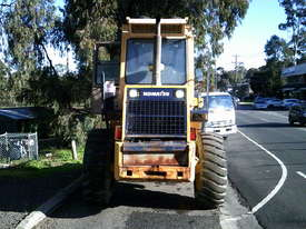 WA-120 series1 loader , 11,000 hrs , ac cabin , GP bucket , good pins and bushes - picture3' - Click to enlarge