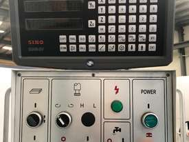 PUMA X6325D TURRET MILLING MACHINE Incl Digital Readout - picture2' - Click to enlarge
