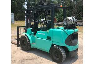Mitsubishi 3.5T (4.3m Lift) Container Entry, LPG FG35 Forklift