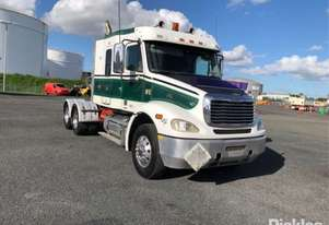 2005 Freightliner Columbia CL112 FLX