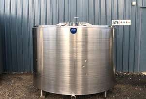 2,650 Jacketed Stainless Steel Tank, Milk Vat