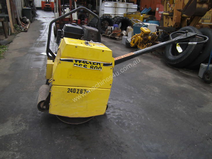 wacker RSS-800 hand guided roller