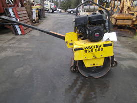 wacker RSS-800 hand guided roller  - picture0' - Click to enlarge