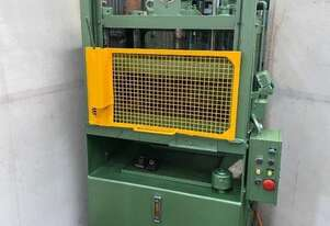 Archer 30 ton 4 Post Hydraulic Press