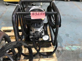Enerpac Two-Speed, Gasoline Hydraulic Pump, 4/3 Manual Valve, 20 litres Usable Oil, 4,8 kW Briggs &  - picture0' - Click to enlarge