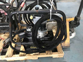 Enerpac Two-Speed, Gasoline Hydraulic Pump, 4/3 Manual Valve, 20 litres Usable Oil, 4,8 kW Briggs &  - picture1' - Click to enlarge