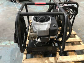 Enerpac Two-Speed, Gasoline Hydraulic Pump, 4/3 Manual Valve, 20 litres Usable Oil, 4,8 kW Briggs &  - picture2' - Click to enlarge