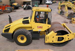 BOMAG BW211D-4 VIBRATING SMOOTH ROLLER
